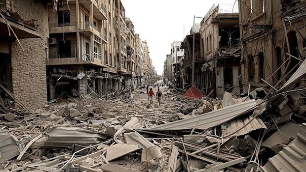 Alepo está destruída e 60 mil famílias que ainda estão no subúrbio terão de deixar seus esconderijos debaixo da terra