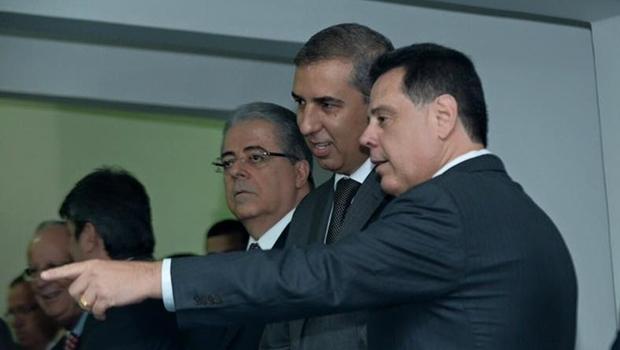 Marconi Perillo e José Eliton durante cerimônia de posse dos novo secretários | Foto: reprodução / assessoria