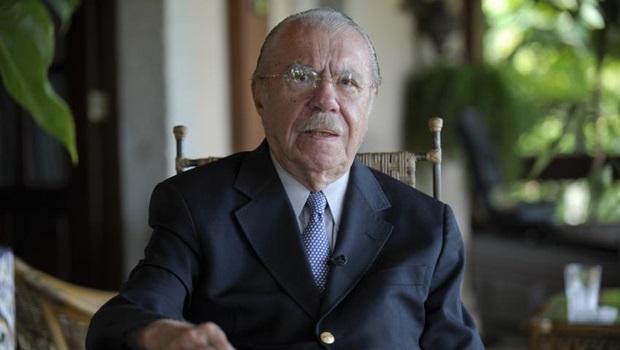 Governador do Maranhão retira nome de Sarney de prédios públicos