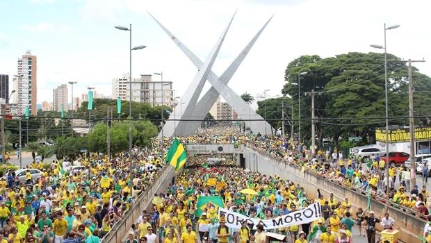 Manifestação em Goiânia do dia 13 março: reuniu 50 mil pessoas | Foto: Bruna Aidar/ Jornal Opção