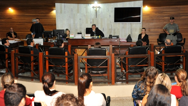 Mãe e filho suspeitos de matar cozinheira em Goiânia vão a júri popular nesta quarta-feira