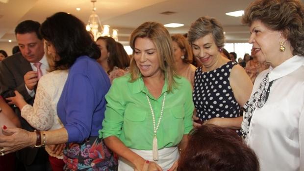 Primeira-dama Valéria Perillo lançou, ao lado do governador Marconi Perillo (PSDB), campanha para incentivar as mulheres a denunciar os crimes de violência dos quais são vítimas   Foto: Marco Monteiro