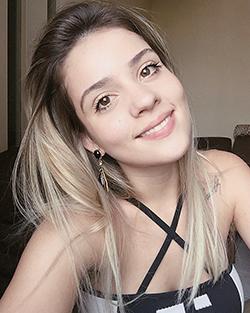 A jovem Mariana de Castro desistiu do crossfit devido a uma lesão no joelho