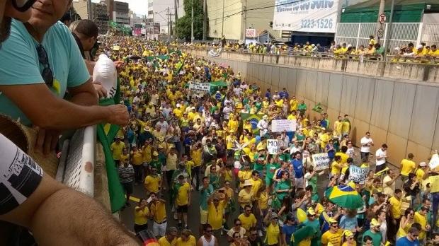Protesto das ruas em Goiânia em 13 de março de 2016