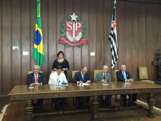 Vilmar Rocha em São Simão ec2b664c-f470-4650-8a56-ce3b06c2c702