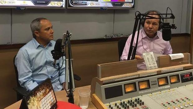 Luiz Bittencourt e o jornalista Oloares Ferreira