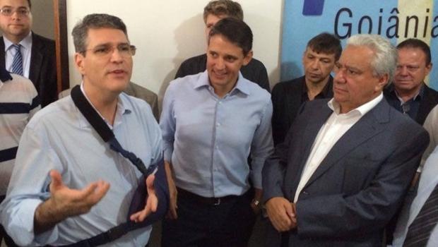 Deputado estadual Francisco Jr. fala aos militantes do PSD como pré-candidato do partido à prefeitura de Goiânia | Foto: Larissa Quixabeira / Jornal Opção