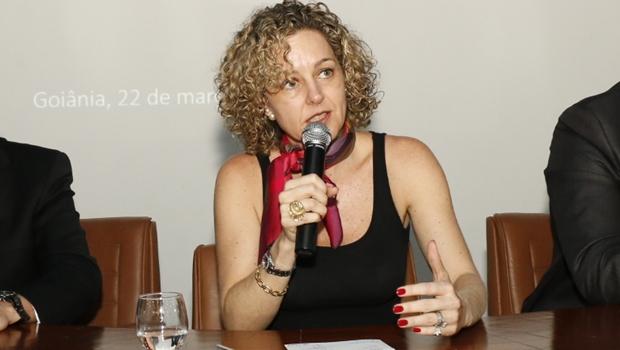 Dívida de Goiás é 50% menor que teto legal, assegura Ana Carla Abrão