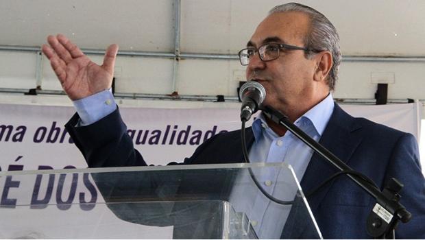 Qual é a receita? O Brasil em crise e  Trindade segue inaugurando muitas obras