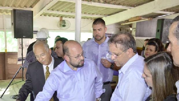 Governador Marcelo Miranda e secretário de Saúde, Marcos Musafir: retomando obra em unidade de saúde | Foto: Divulgação
