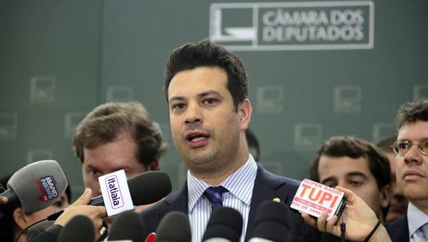 PMDB se posiciona favorável ao impeachment, mas libera deputados