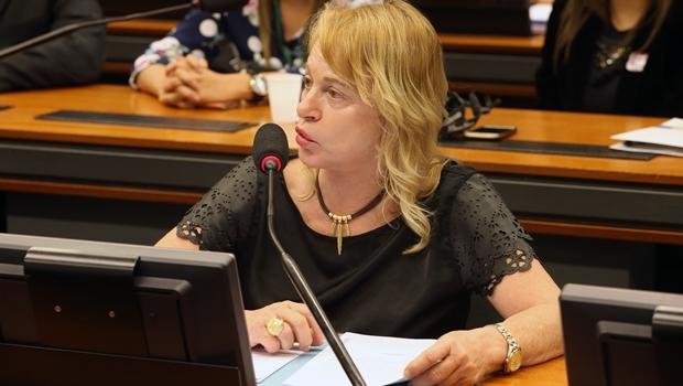 Deputada federal Magda Mofatto (PR) disse que ainda não é possível saber se os votos favoráveis à abertura do processo de impeachment estão abaixo ou acima do mínimo necessário | Foto: Thyago Marcel/Câmara dos Deputados