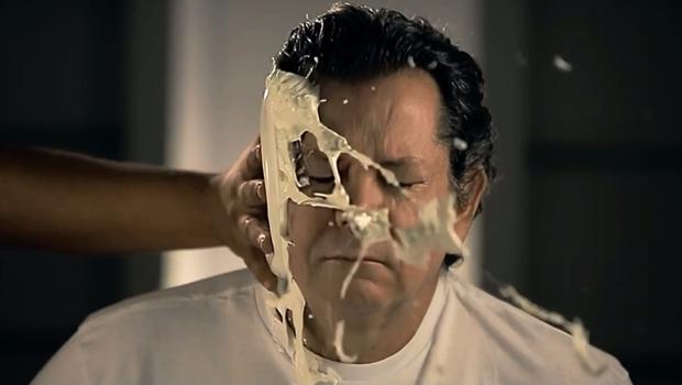 Vídeo do Sinpol-GO traz ator no papel de bandido fazendo deboche das forças policiais, segundo governador em exercício | Foto: Reprodução/YouTube