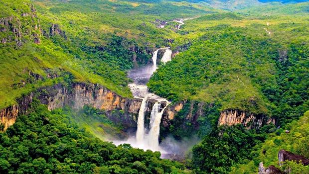Raios atingem vila e Alto Paraíso sofre com falta de água e energia