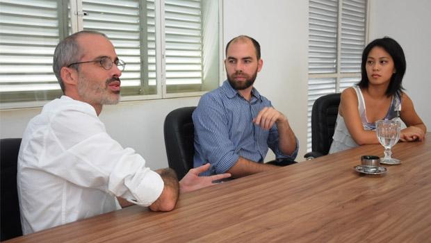 Arquitetos Danilo Terra, Pedro Tuma e Fernanda Sakano: trio premiado rumo à exposição na Bienal de Veneza | Foto: Renan Accioly