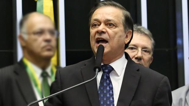 """Jovair Arantes: """" Nenhum agente político precisa de aviso prévio para cumprir a lei e a Constituição"""""""
