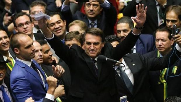 Bolsonaro é denunciado por crime contra a Humanidade no Tribunal Penal Internacional