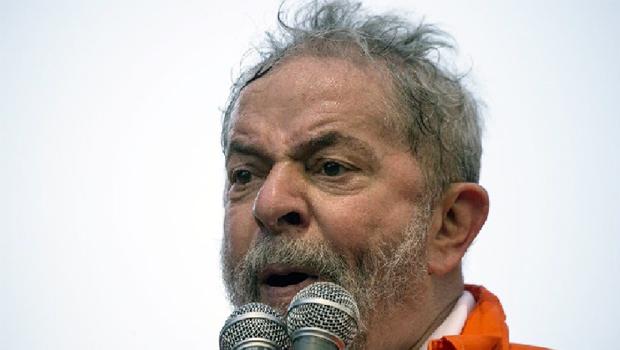 Lula é denunciado por corrupção e lavagem de dinheiro no caso do sítio de Atibaia