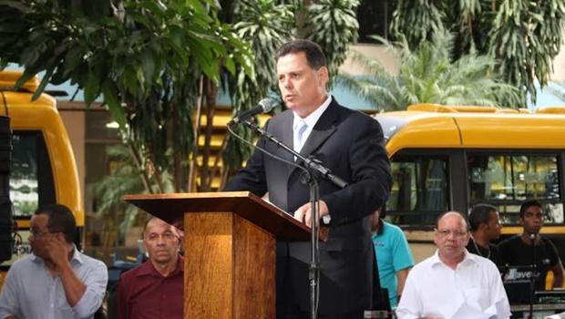 Governo de Goiás entrega 48 ônibus escolares e 50 salas de aula modulares