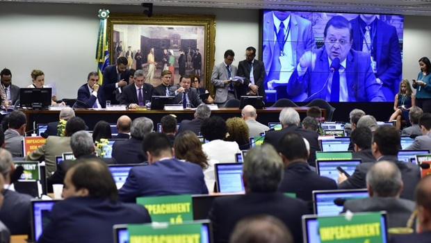 11/04/2016 - Brasília - DF, Brasil - Reunião da Comissão Especial que vai votar o parecer do relator, (foto) dep. Jovair Arantes (PTB-GO), que recomenda a abertura de processo de impeachment contra a presidente Dilma Rousseff Data: 11/04/2016. Foto: Zeca Ribeiro / Câmara dos Deputados