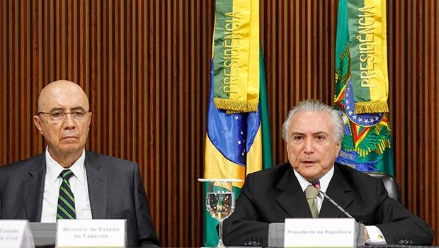 Ministro da Fazenda, Henrique Meirelles, e presidente Michel Temer: o governo diz que a reforma é essencial | Foto: Beto Barata/PR