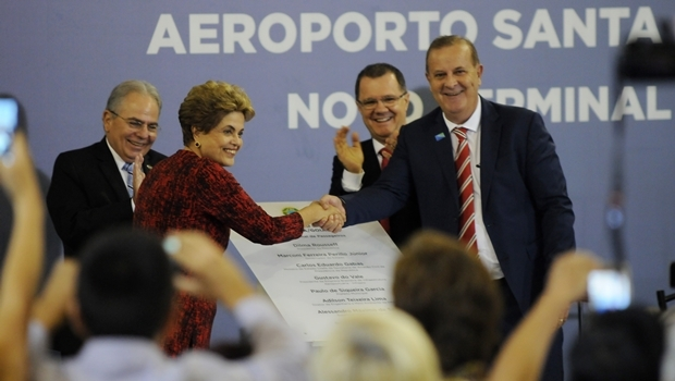 Atual prefeito da capital e a presidente Dilma Rousseff na entrega do aeroporto de Goiânia | Foto: Renan Accioly/Jornal Opção