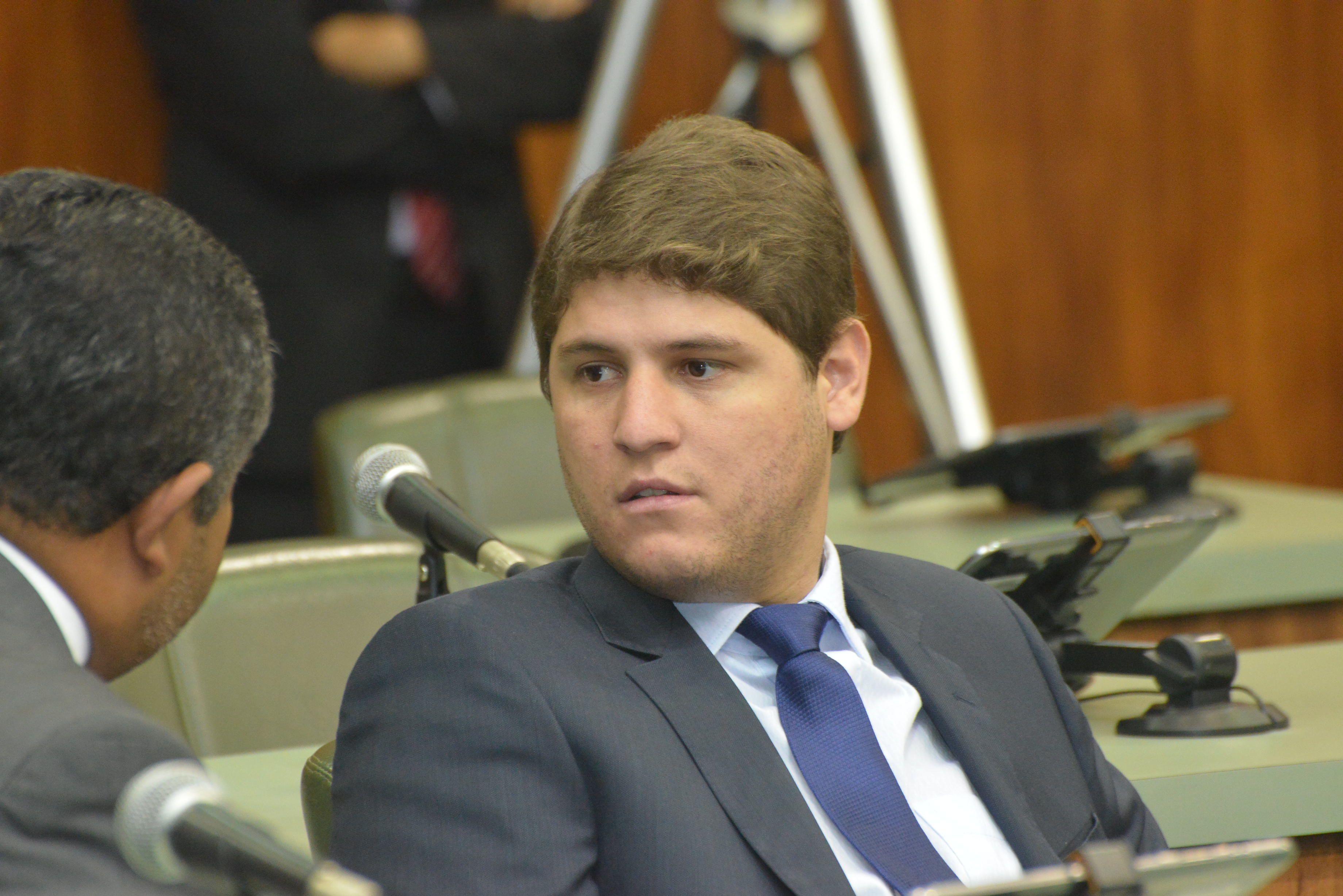 Lucas Calil quer antecipar eleição da presidência da Assembleia Legislativa