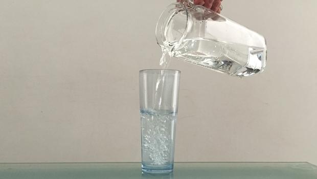 Projeto obriga restaurantes e bares goianos a servir água filtrada gratuitamente