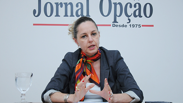 Ana Carla Abrão defende responsabilidade fiscal e redução do Estado para saída da crise