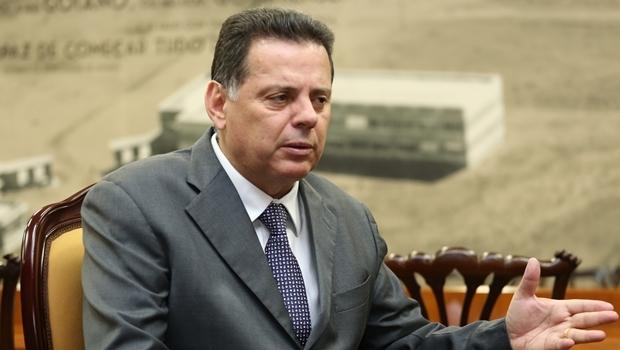 Governador Marconi Perillo em conversa com internautas, por meio das redes sociais | Foto: Divulgação