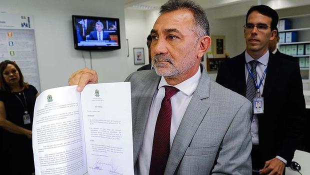 Senador pede cassação do mandato de Romero Jucá