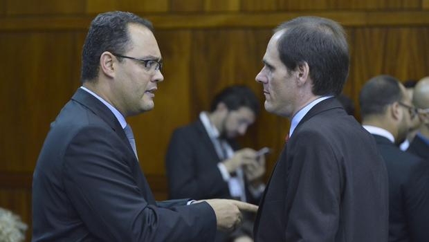 Grupo de deputados cogita deixar a base de Caiado no segundo semestre