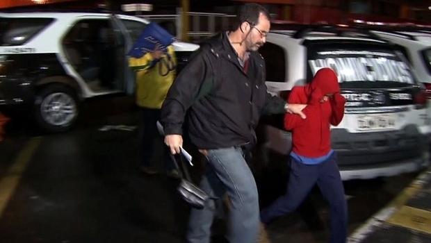 """Garoto de 11 anos afirmou que policial matou amigo e """"plantou"""" arma no carro   Foto: Reprodução/Globo"""