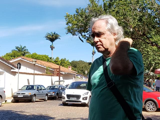 Laerte Rímoli circula por Pirenópolis. Enfrenta uma batalha dura na EBC contra o aparelho petista
