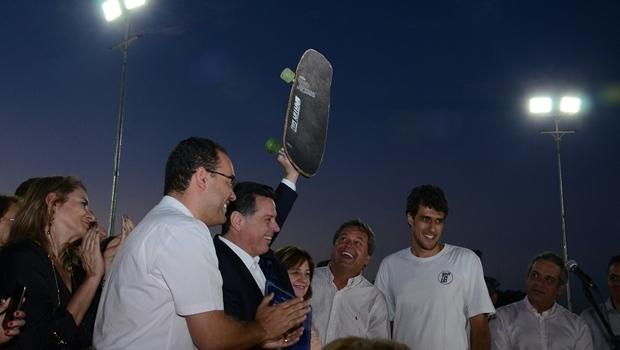Durante discurso, governador Marconi Perillo (PSDB) afirmou que pista de skate no novo parque era uma reivindicação antiga dos skatistas de Goiânia | Foto: Mantovani Fernandes