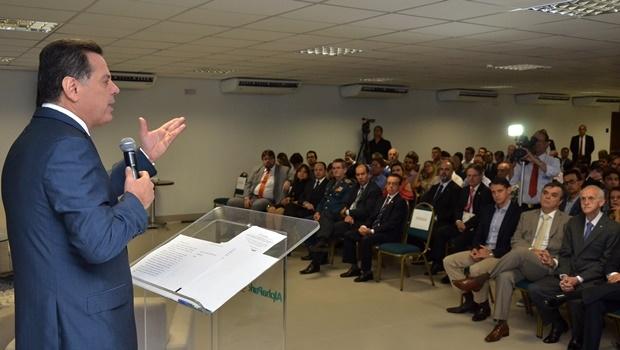 Marconi Perillo (PSDB) destaca parcerias com a iniciativa privada e redução da estrutura do Estado para criar cenário de superação da dívida pública | Foto: Eduardo Ferreira