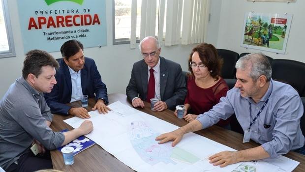Prefeito Maguito Vilela (PMDB) e reitor da UFG Orlando Amaral