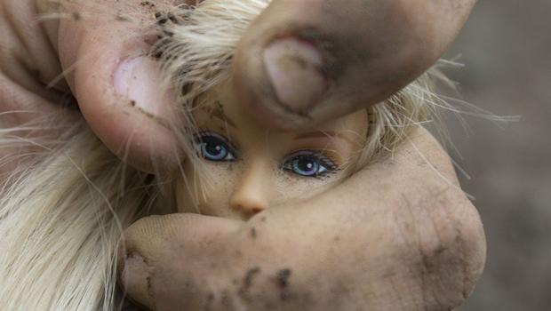 Polícia investiga suposto estupro de garota de 13 anos por oito homens