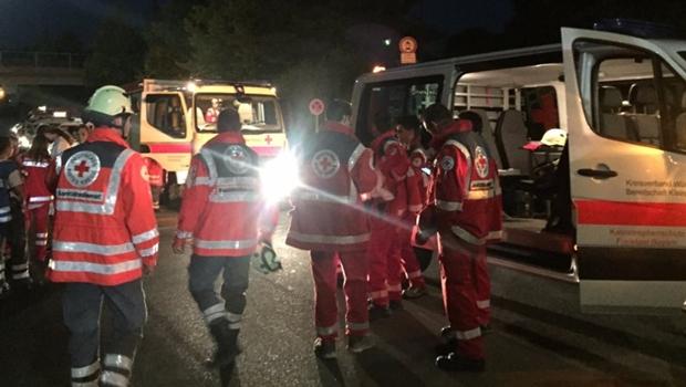 Armado com machado, homem deixa quatro feridos em trem na Alemanha