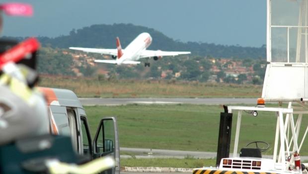 Companhia aérea irá oferecer cerveja grátis para passageiros de Goiânia e outras cidades