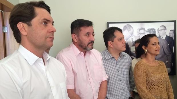 Bruno Peixoto, Clécio Alves, Agenor Mariano e Célia Valadão durante coletiva no escritório de Iris   Foto: Larissa Quixabeira