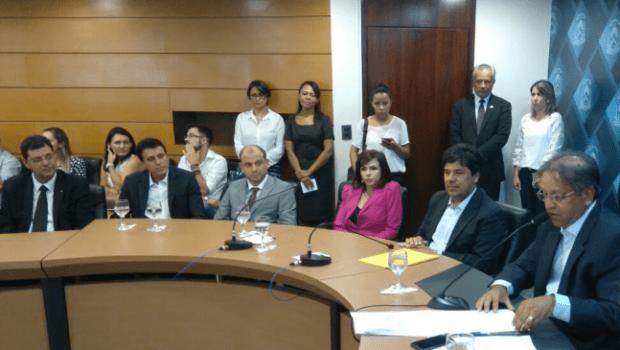 Reunião no Palácio Araguaia com o ministro da Educação, Mendonça Filho
