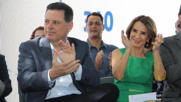 Secretaria e governador durante evento nesta terça   Foto: Marco Monteiro