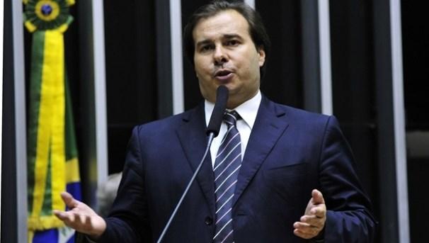 Rodrigo Maia em discurso   Foto: Luis Macedo