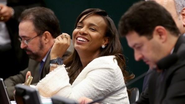 Deputada Tia Eron, considerada o voto de minerva no Conselho de Ética    Foto: Wilson Dias/Agência Brasil)