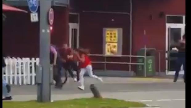 Vídeo mostra momento em que atirador dispara contra pedestres em Munique