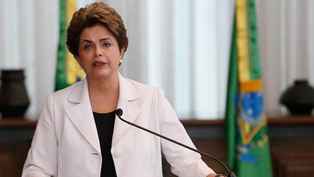 Dilma pede eleições gerais em carta a senadores e ao povo brasileiro