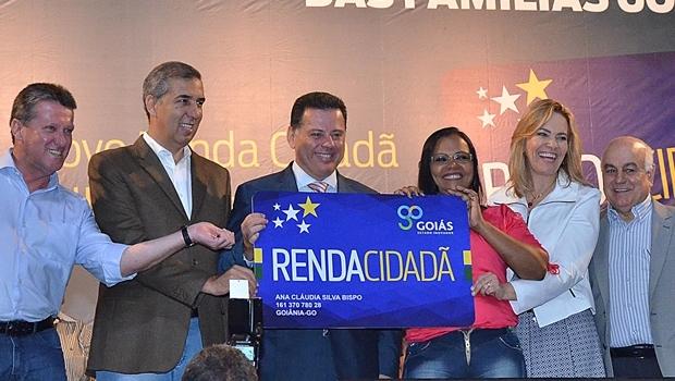 Solenidade de entrega dos novos cartões, Goiânia Arena | Foto: Reprodução / Gabinete Imprensa