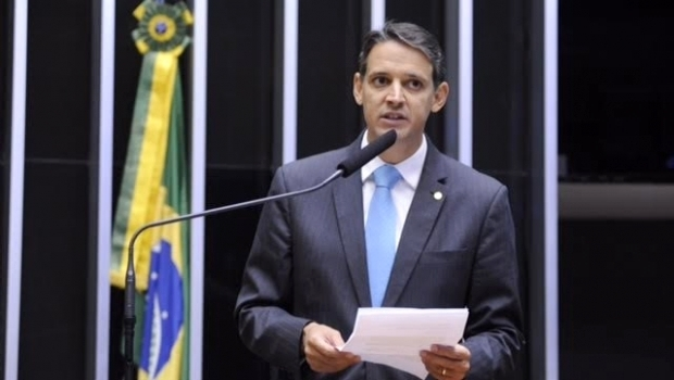 Thiago Peixoto discursa em Plenário | Foto: reprodução