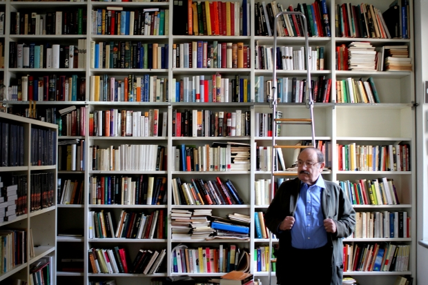 Umberto Eco: semiólogo, crítico e escritor italiano